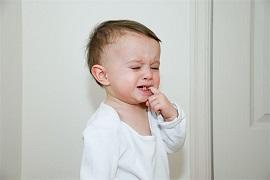 宝宝夜里磨牙,可能是这些原因!